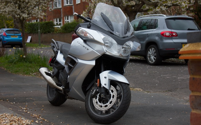 Large but effective fairing looks intimidating, but the weight disappears once moving