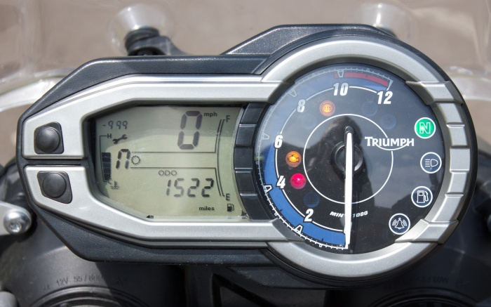 The easy-to-read dash allows you to see just how much fuel you're burning
