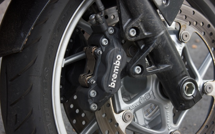 Not radially mounted, but 4-pot Brembo brakes are top-drawer units on braided hoses