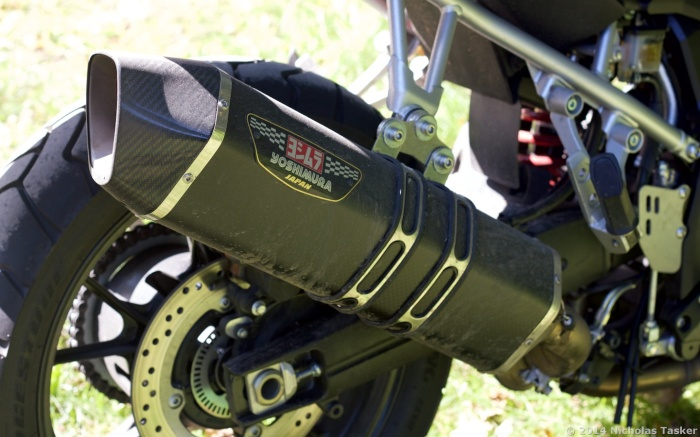 Optional Yoshimura exhaust sounds excellent, despite the servo-controlled butterfly valve in the exhaust.
