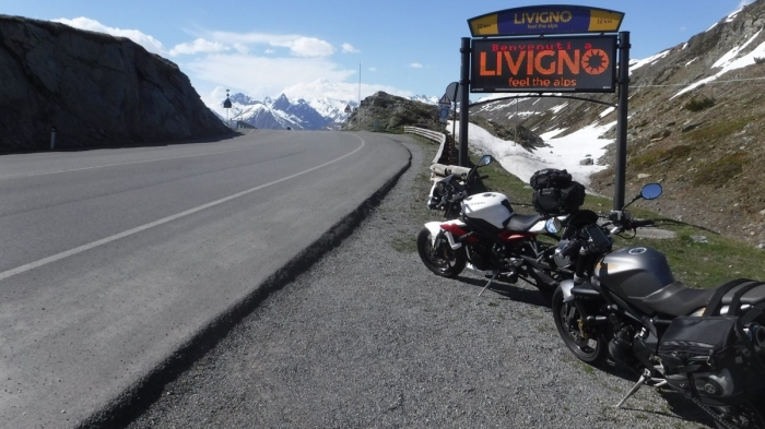 Street Triples in Livigno