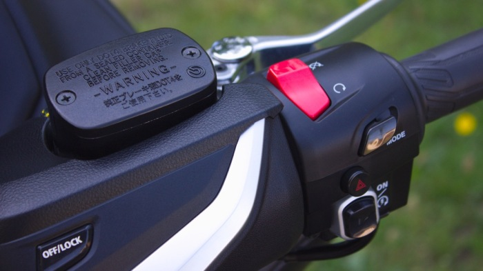 Yamaha T-Max DX Mode Switch